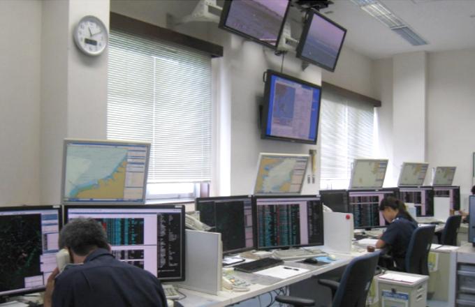 ※24時間体制で航行の安全を見守る東京湾海上交通センター